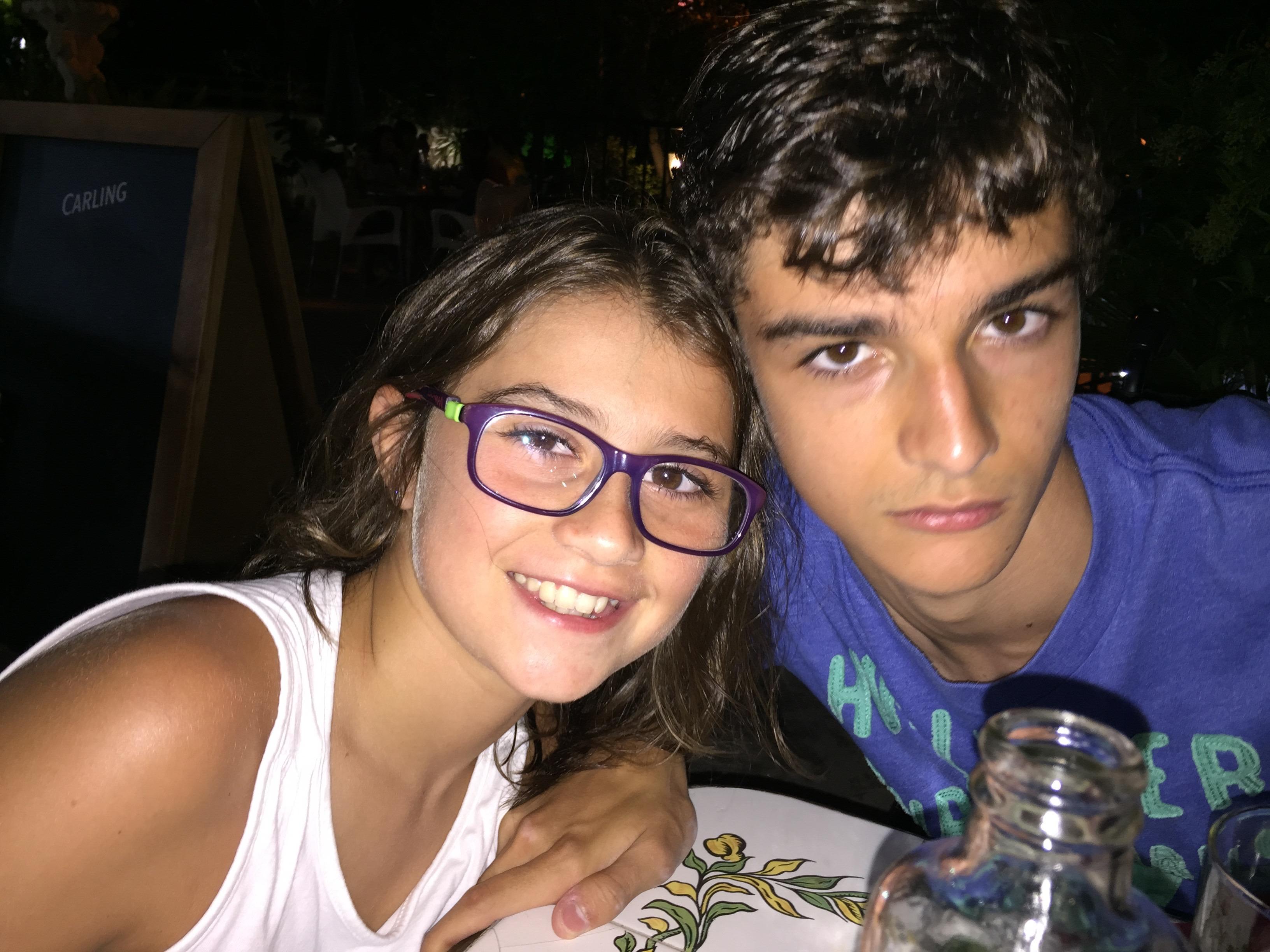 Alvaro y Marta (hermanos afectados de Ataxia de Friedreich)